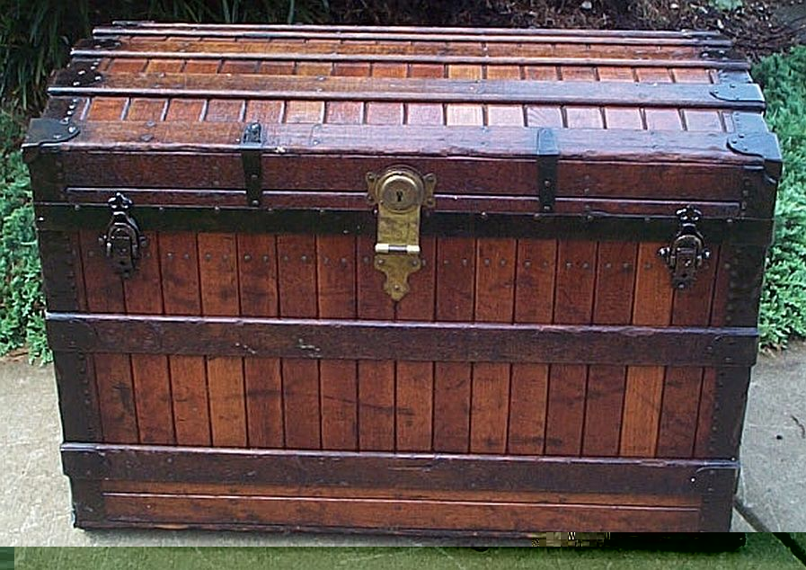 roll top antique trunk 327