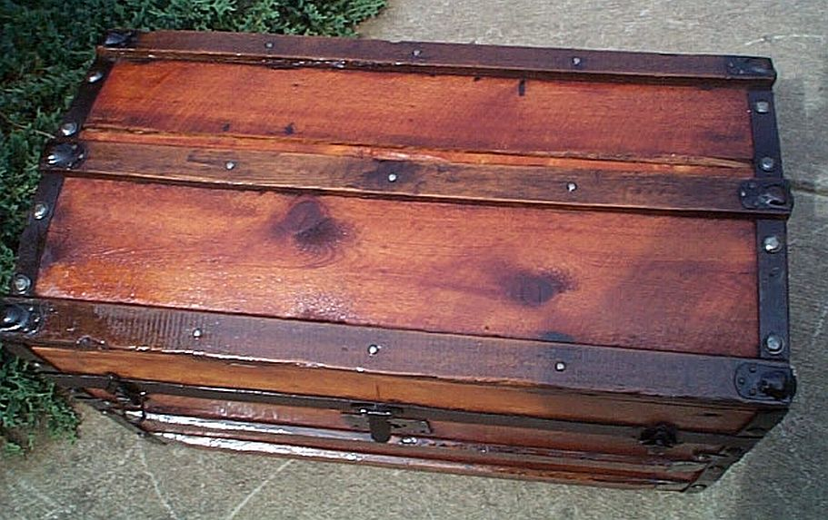 Antique Trunk #329