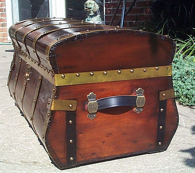Antique Trunk #331
