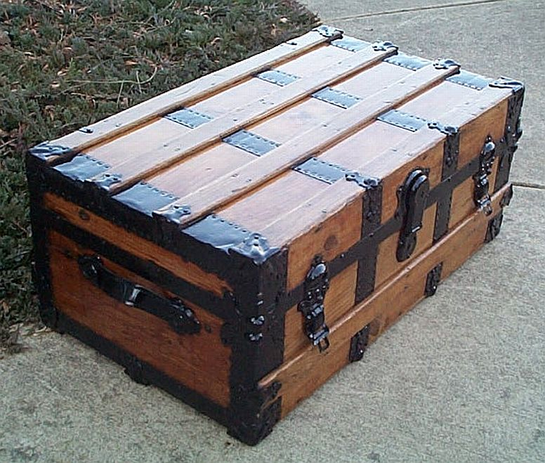 Low Profile Antique Steamer Trunk #339