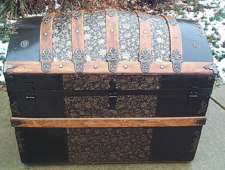 Rear - All Metal Black and Gold Pressed Tin Filigree Design Dometop Fully Restored Antique Trunk For Sale #342