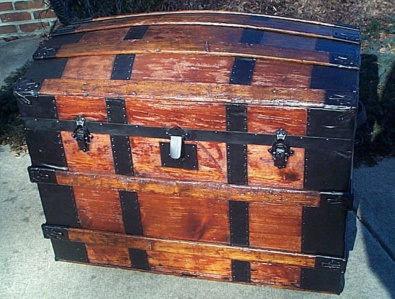 Strict Large Antique Black Japanned Tin Cabin Trunk Antique Furniture