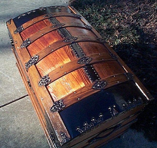 Top - All Wood Large Size Dome Top or Dometop Antique Steamer Trunk #353
