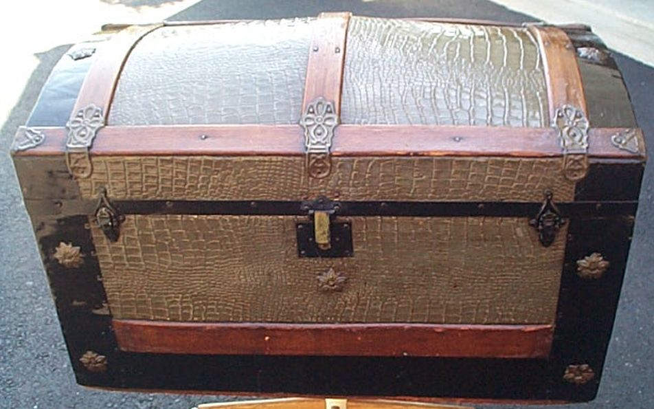 Large Size Dome Top Antique Steamer Trunk #373