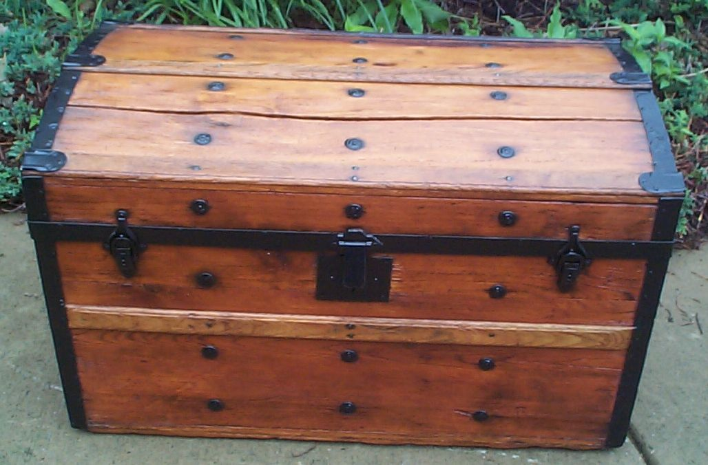 Civil War Antique Trunk #375