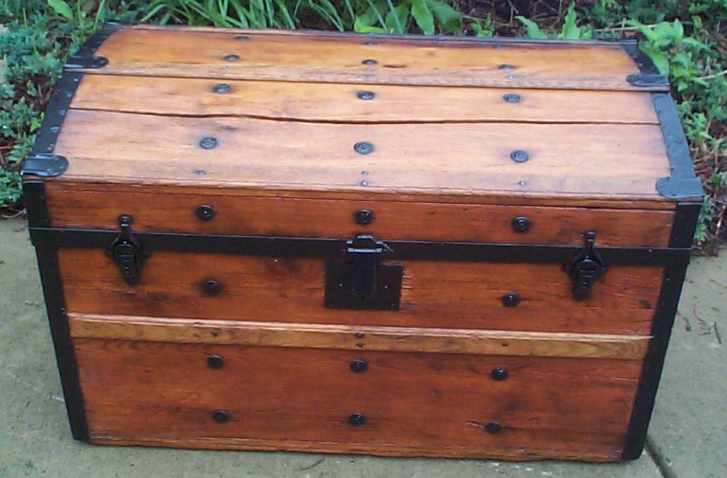 Civil War Antique Trunk #375