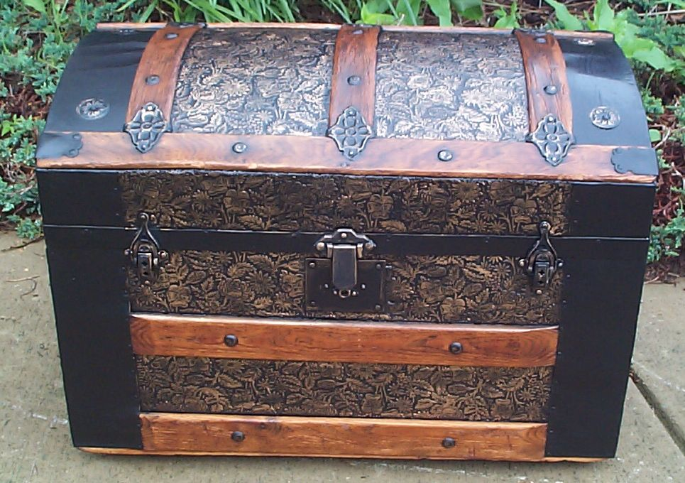 Dome Top Antique Trunk #376