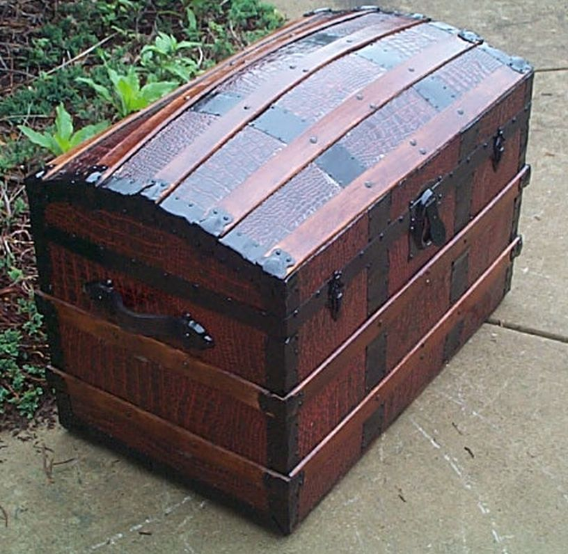 Antique Trunk #380