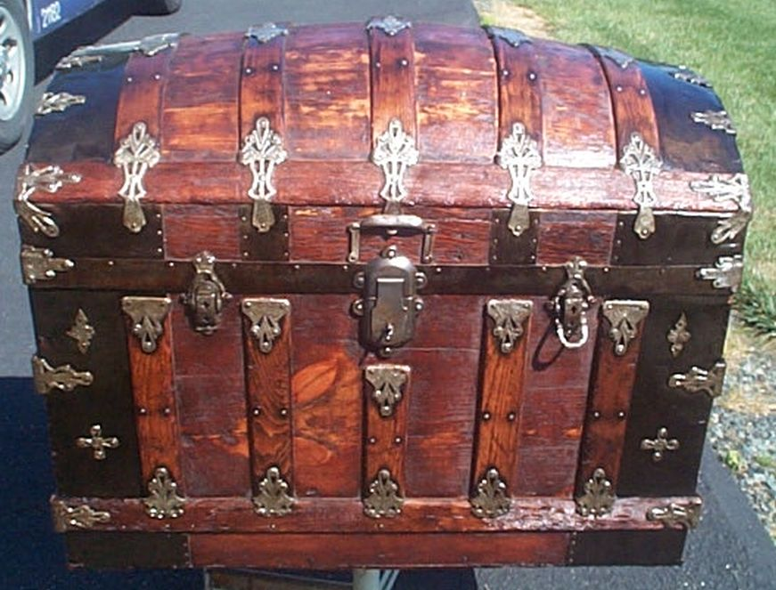 martin maier dome top antique trunk 385