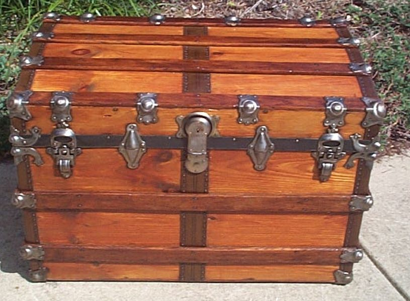 Flat Top Antique Trunk #387