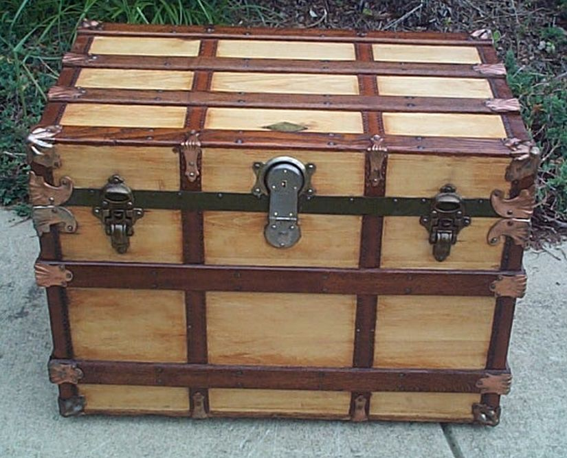 Flat Top Henry Likly Antique Trunk #389