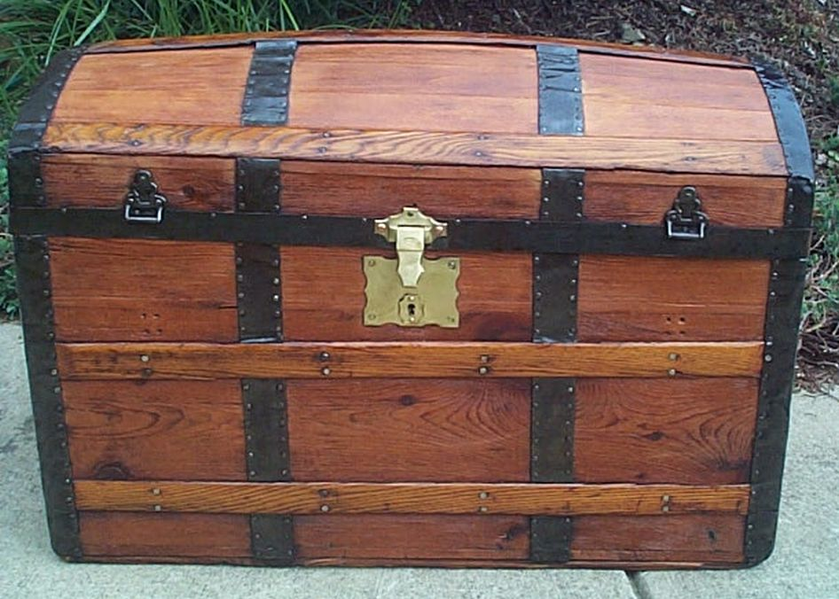 dome Top Antique Trunk #390