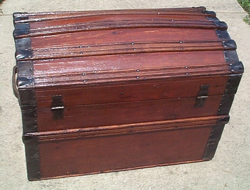 Antique Trunk #394