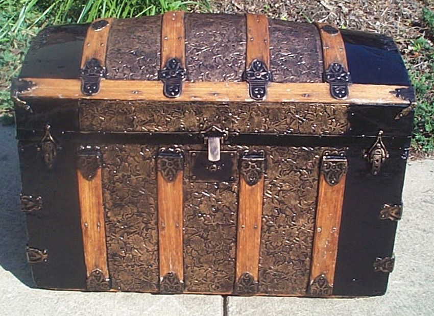 402 Restored Metal And Wood Dome Top Antique Trunks For
