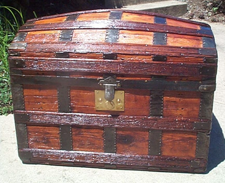 Front - Antique Dome Top Trunk #409