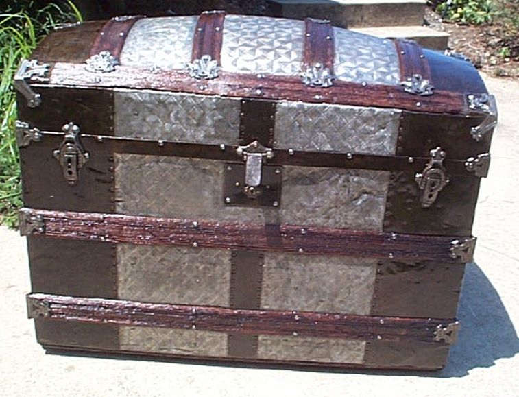 humpback  dome top metal wood antique trunk 412