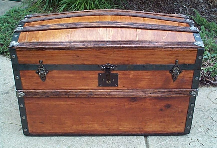 civil war humpback or dome top all wood antique trunk 416