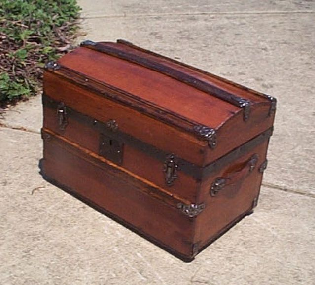 small desktop size salesman sampler dome top all wood antique trunk 419