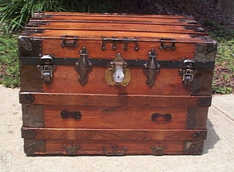flat top all wood antique trunk 421