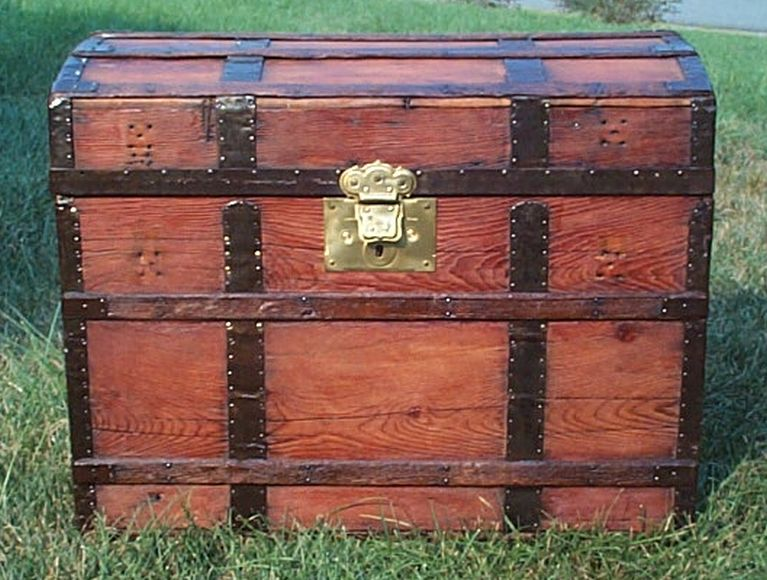 civil war dome top all wood antique trunk 427