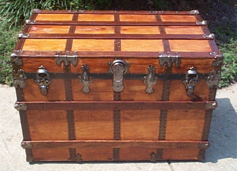roll top steamer trunk 428