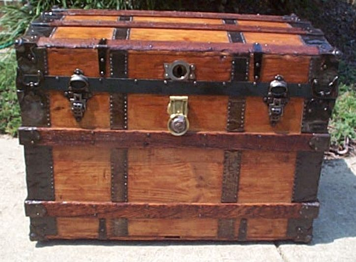 roll top steamer trunk 429