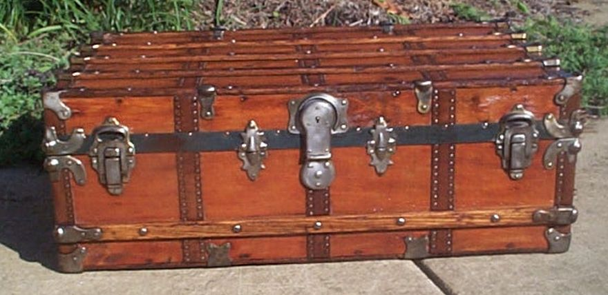 low profile flat top steamer trunk 430