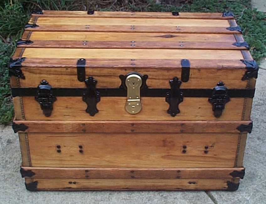 restored antique romahawks flat top trunk for sale 455