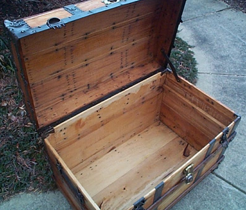 restored antique roll top trunk 475