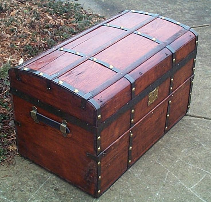 restored antique flat top trunk 486