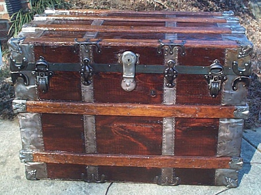 restored flat top trunk w working lock and key 493