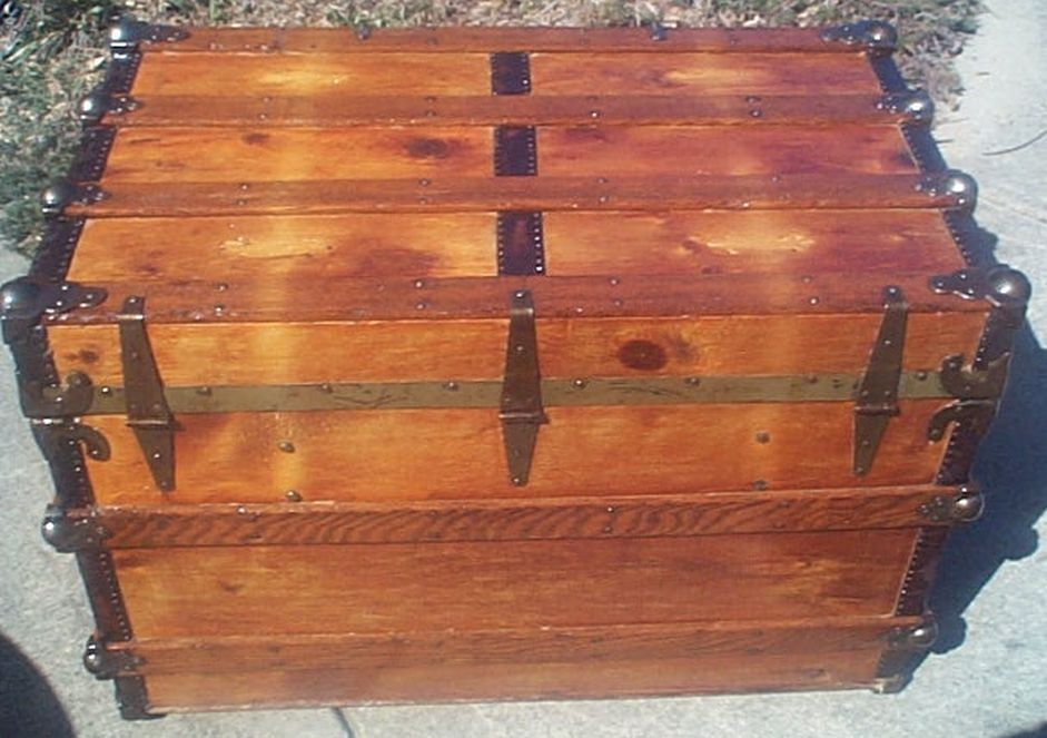 restored antique flat top trunk 495