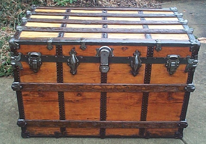 restored flat top steamer trunk 502