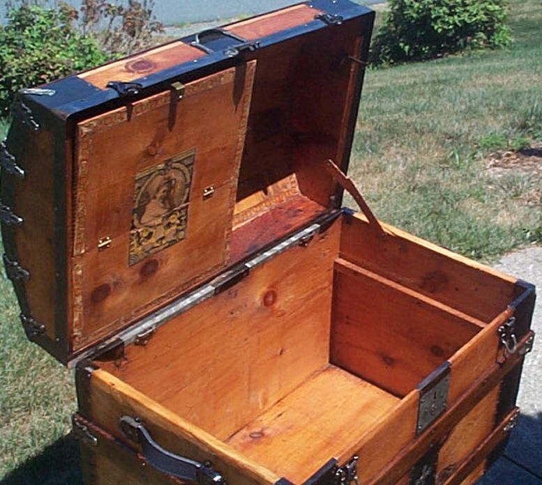 577 Restored Humpback Dome Top Antique Trunk For Sale And