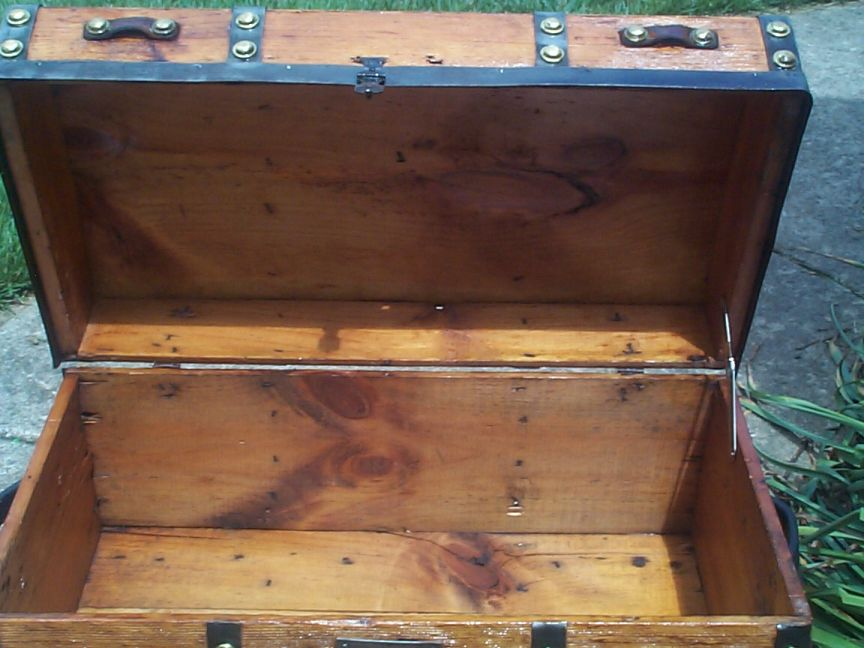 777 Restored Antique Trunks For Sale Dome Tops Humpbacks