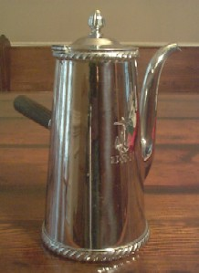 coffee server with anchor