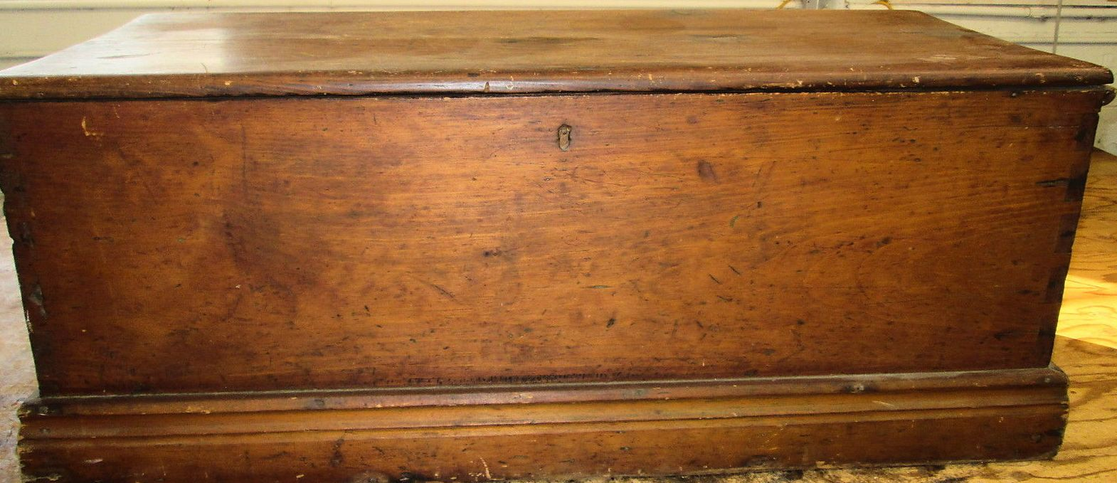 nautical early 19th century sailors sea chest used aboard American Whalers out of Massachusetts