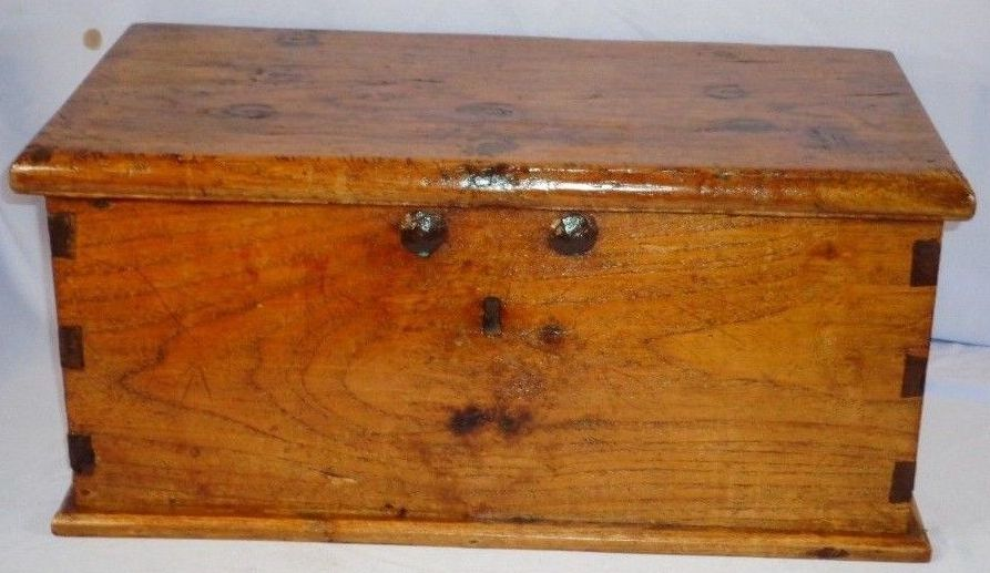 Antique 18th or early 19th Century Sailors Sea Chest or Sea Trunk