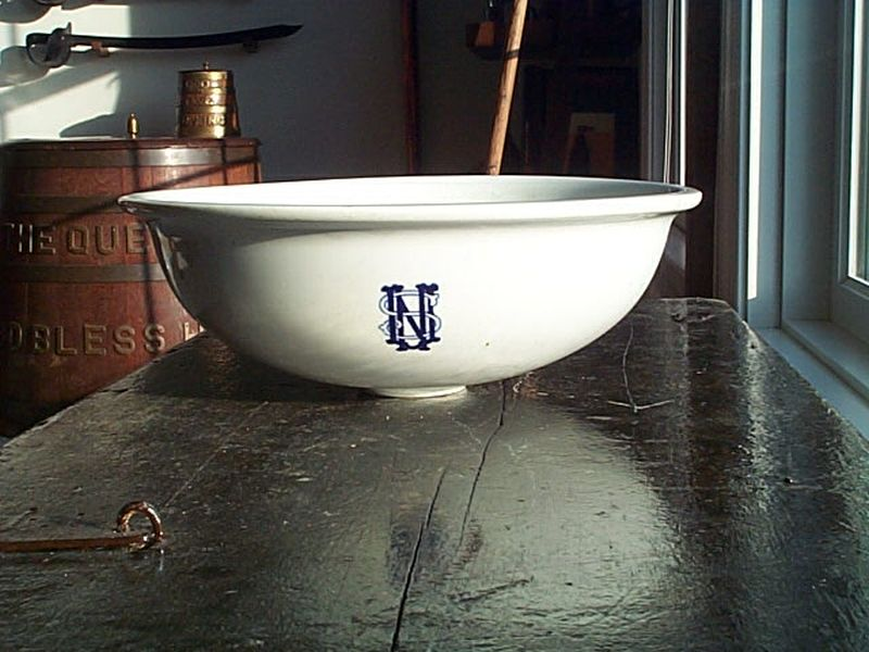ca 1860s-1880s stylized usn monogram on wash basin