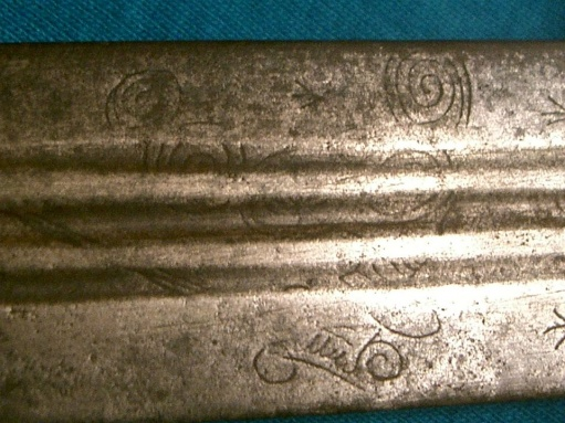 espada ancha cutlass broad sword with mystical markings