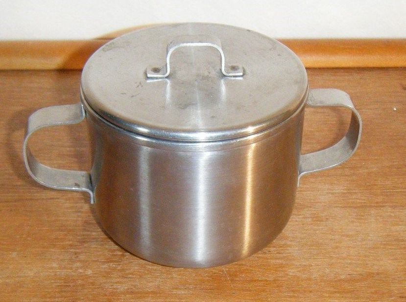 WW1 WW2 era, marked USMC, Aluminum Sugar Bowl or Bouillon cup with Lid and 2 handles