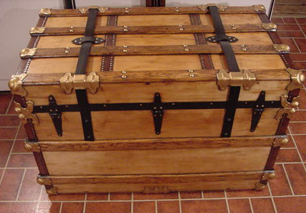 Pirate Chests Flat Top Sea Chest #11 rear view'; return true