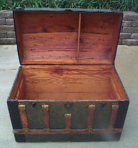 Pirate Chest #96 front open view