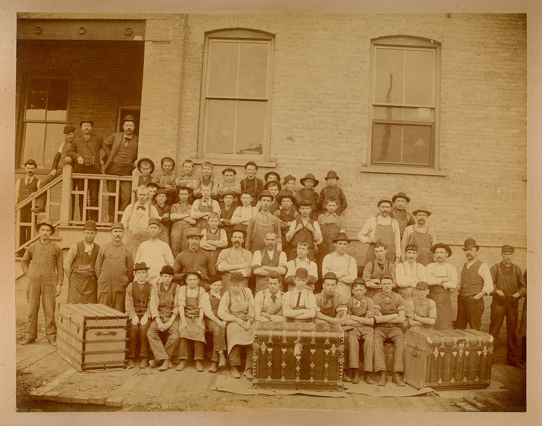 antique trunk factory workers